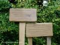 Drvene table sa opisom čudesne šume